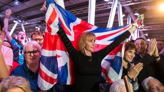 W.Brytania: Rząd poprze wniosek opozycji o publikację planu ws. Brexitu