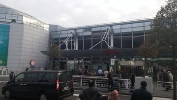 22-03-2016 08:27 Zamach samobójczy na lotnisku w Brukseli. Znaleziono kałasznikowa, zdetonowano podejrzaną paczkę
