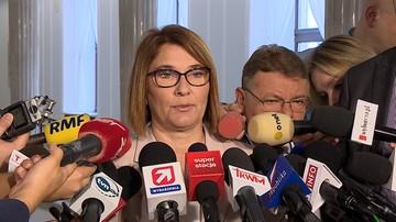 22-09-2017 11:13 Mazurek: nie wywieramy żadnej presji na prezydenta. Cierpliwie czekamy na projekty