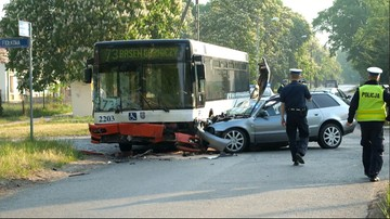 20-05-2016 08:15 Zderzenie autobusu i dwóch samochodów. 11 osób rannych