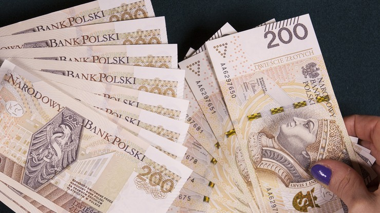 GUS: 4 tys. 277,32 zł brutto tyle wyniosło przeciętne wynagrodzenie. Analitycy pozytywnie zaskoczeni