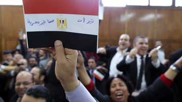 """16-01-2017 12:34 """"Wyspy są egipskie!"""" Radość Egipcjan na sali sądowej"""