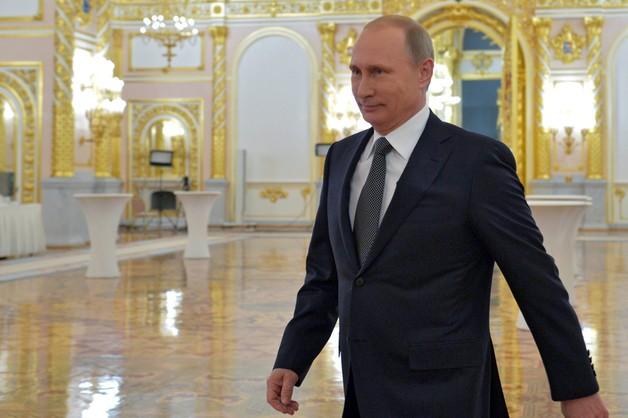 Putin wdzięczy się do oligarchów