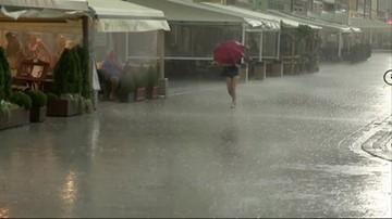 Ulewne deszcze i podtopienia. Strażacy odbierali zgłoszenia
