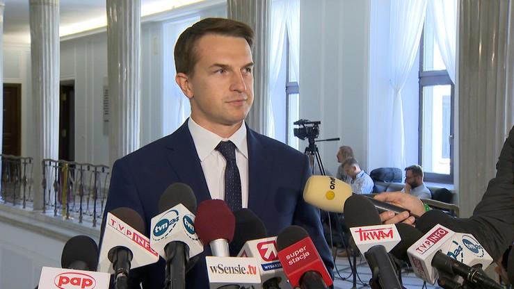 """""""Pralnia pieniędzy"""". Szłapka o Polskiej Fundacji Narodowej"""
