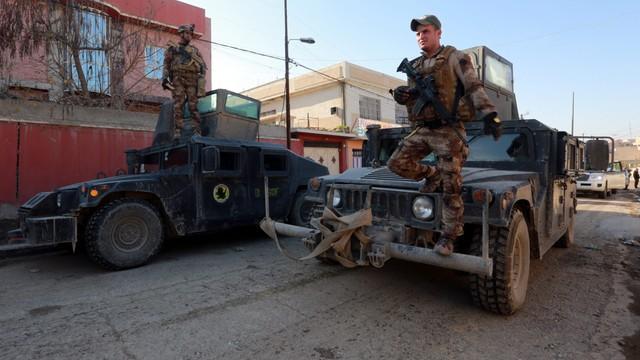 Irak: siły rządowe wspierane przez USA atakują centrum Mosulu