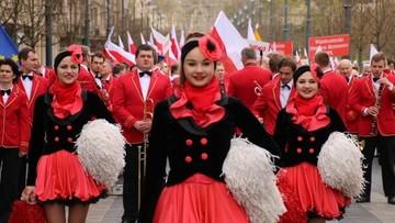 30-04-2016 17:45 Biało-czerwony pochód ulicami Wilna