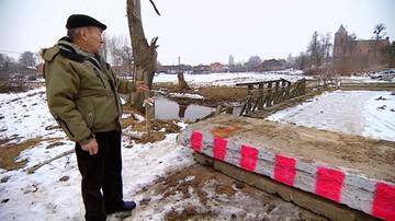 Zamiast remontować, zamknęli most. Seniorzy mają 15 km do sklepu
