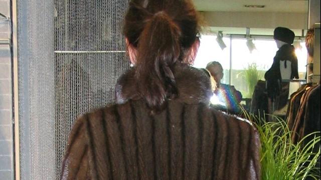 Ze sklepu odzieżowego w Kijowie skradziono kilkadziesiąt futer