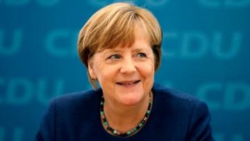 14-08-2017 22:46 Merkel zapowiada dalszą walkę o podział uchodźców w UE