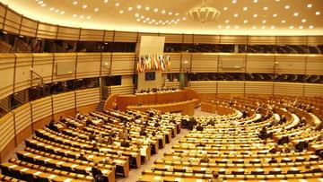 """13-07-2017 14:52 """"Rząd PiS przekroczył czerwoną granicę państwa prawa"""". Największa frakcja w Parlamencie Europejskim chce reakcji UE"""