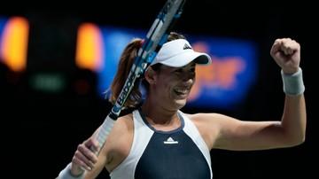 2015-10-26 WTA Finals: Muguruza pokonała Safarovą