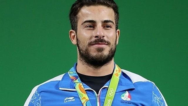 Mistrz olimpijski Rostami odda medal na pomoc poszkodowanym w trzęsieniu ziemi