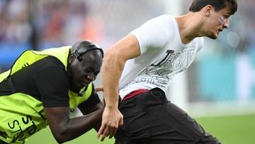 10-07-2016 23:06 Finał Euro 2016: Szalony kibic wtargnął na murawę