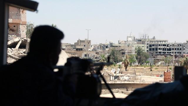 Irak: siły rządowe odbiły z rąk bojowników IS miasto Hawidża
