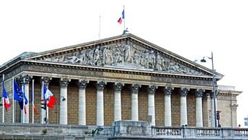 Francja: stan wyjątkowy przedłużony o dwa miesiące
