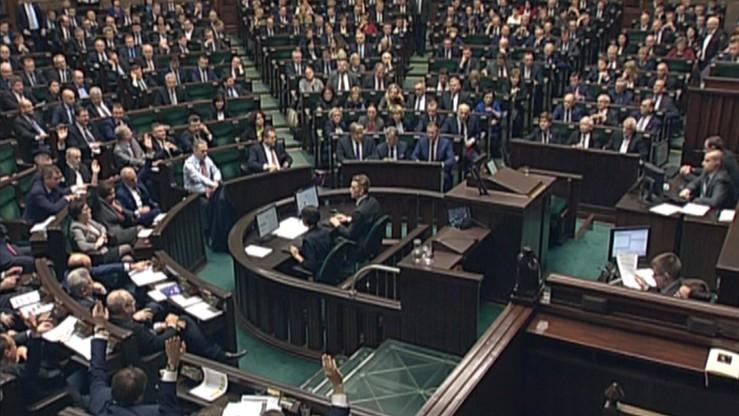 Sejm: podatek od wysokich odpraw obejmie tylko zarządzających spółkami skarbu państwa