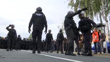 01-10-2017 20:08 Konfrontacje pomiędzy Gwardią Cywilną a katalońską policją podczas referendum