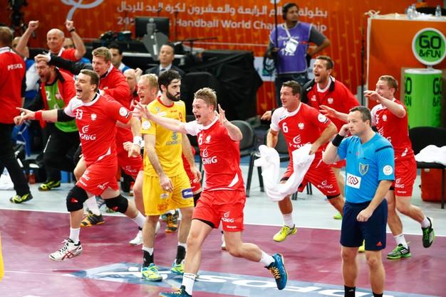 Polacy z brązowym medalem po meczu-horrorze!