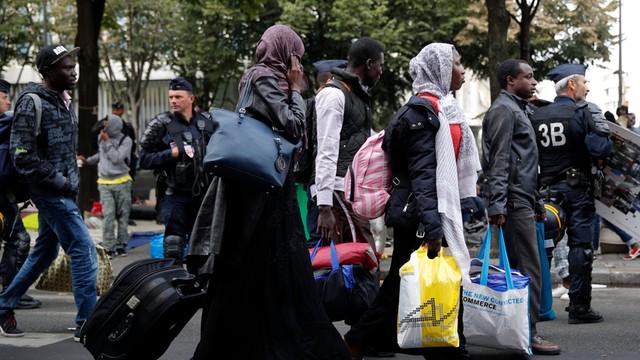 Francja: Belgijscy policjanci zatrzymani za pomoc nielegalnym imigrantom