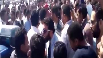 19-04-2016 21:26 Egipt: protesty po zastrzeleniu sprzedawcy przez policjanta. Wszystko przez cenę filiżanki herbaty