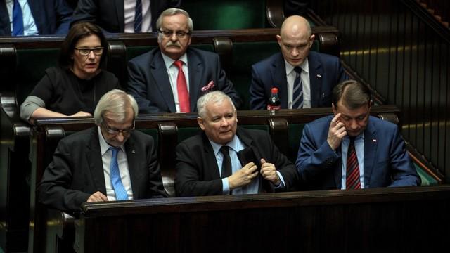 Kaczyński zwrócił się do Karczewskiego o zorganizowanie spotkania z mediami