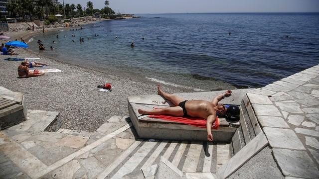 Grecja: Trzeci dzień 40-stopniowych upałów