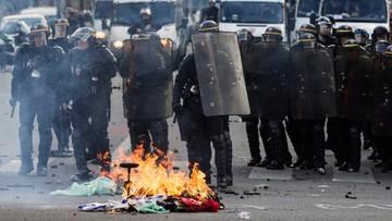 28-04-2016 21:57 Francja: policjanci ranni w starciach z demonstrantami. Walka o 35-godzinny tydzień pracy
