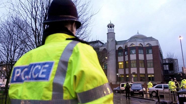 Sprawca ataku na muzułmanów nie był znany służbom. Został zatrzymany za terroryzm