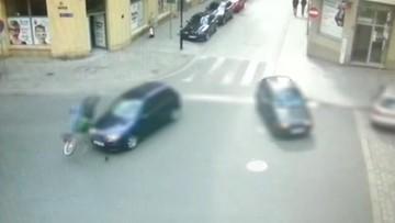 25-04-2017 10:59 Jechał rowerem pod prąd, bo myślał, że można. Chwilę później wpadł pod samochód