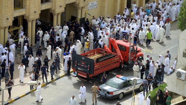 Kuwejt: co najmniej 10 ofiar śmiertelnych zamachu w meczecie