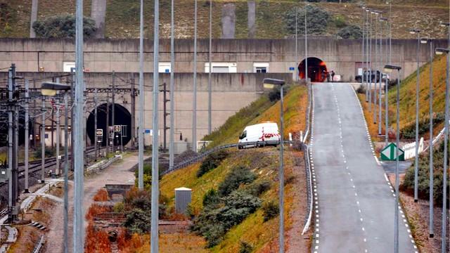 Szturm na eurotunel - 2 tys. imigrantów jednej nocy