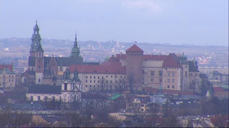 Smog w Krakowie. Normy przekroczone więc komunikacja za darmo