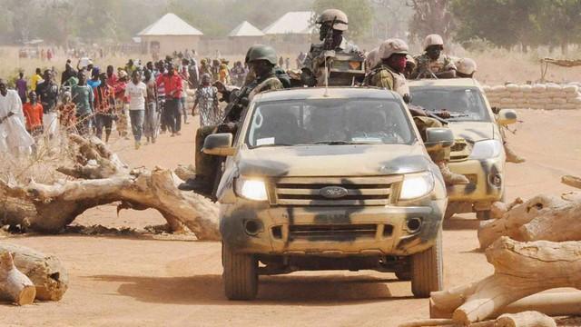 Nigeria: 6 osób zginęło podczas ataku Boko Haram na kolumnę ciężarówek
