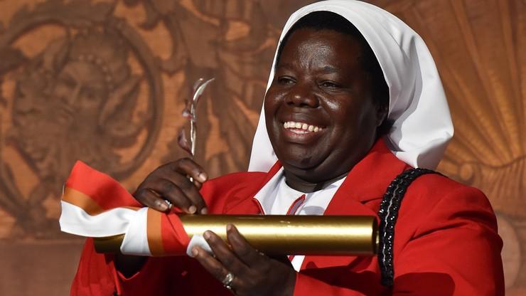 """Żyje nie tylko w """"blasku prawdy"""". Siostra Rosemary Nyirumbe  laureatką Veritatis Splendor"""