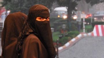 22-08-2016 15:43 Muzułmance nie wolno przychodzić do szkoły w nikabie. Są plany zakazania burki w miejscach publicznych