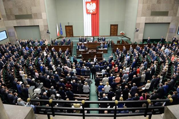 Sejm popiera edukację seksualną