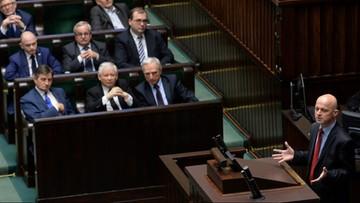 30-01-2016 06:03 Sejm uchwalił budżet na 2016 r. Maksymalny deficyt - 54,7 mld zł