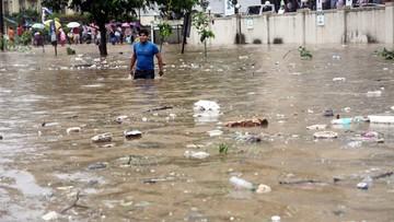 Indie: ponad 90 ofiar deszczy monsunowych