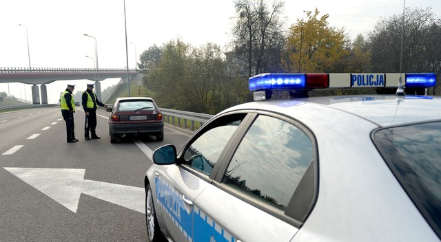 W Wigilię i pierwszy dzień świąt na drogach zginęło 7 osób, zatrzymano 340 nietrzeźwych kierowców