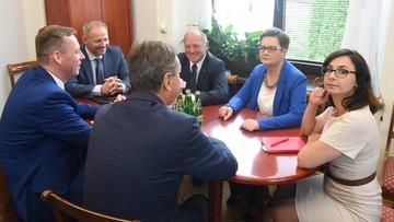 """17-07-2017 11:57 Spotkanie przedstawicieli klubów opozycyjnych w Sejmie. """"Potrzebne są nadzwyczajne działania"""""""