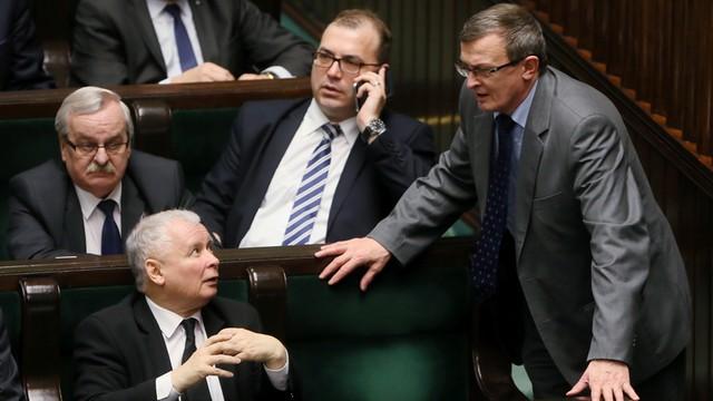 Nowy sondaż TNS Polska - 40 procent na PiS, 15 procent na PO