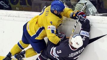2015-11-06 NHL: Grossman woli bronić, ale tym razem strzelił dwa gole