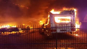 23-04-2017 15:28 Gigantyczny pożar w Zachodniopomorskiem. Spłonęło 11 przyczep kempingowych
