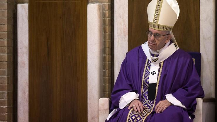 Papież spowiadał wiernych w Watykanie