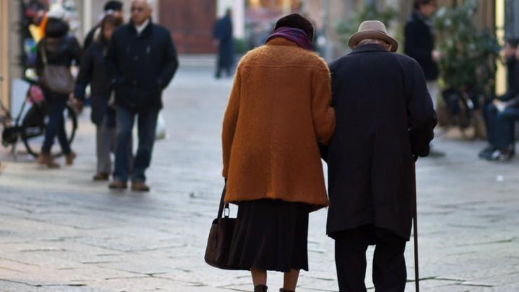 ISP: wiele osób nie zarobi nawet na minimalną emeryturę. Eksperci sugerują gwarantowany dolny pułap świadczenia