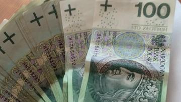 30-11-2015 19:14 Jest prezydencki projekt podniesienia kwoty wolnej do 8 tys. złotych