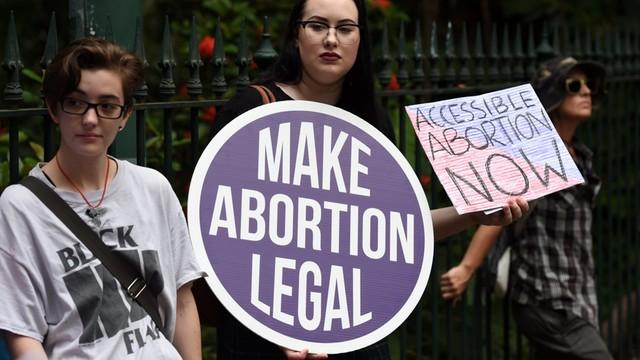 Niemcy - lekarka ukarana przez sąd grzywną za propagowanie aborcji