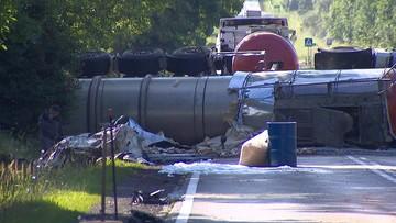 Zderzenie cysterny i samochodu osobowego w Łódzkiem. Siedem osób rannych, w tym czworo dzieci