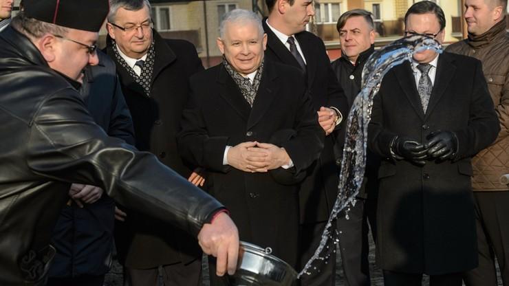 """""""Nikt tutaj niczego nie fałszował. Nie przyszli, to wyznaczono innych"""". Kaczyński o głosowaniu w Sali Kolumnowej"""